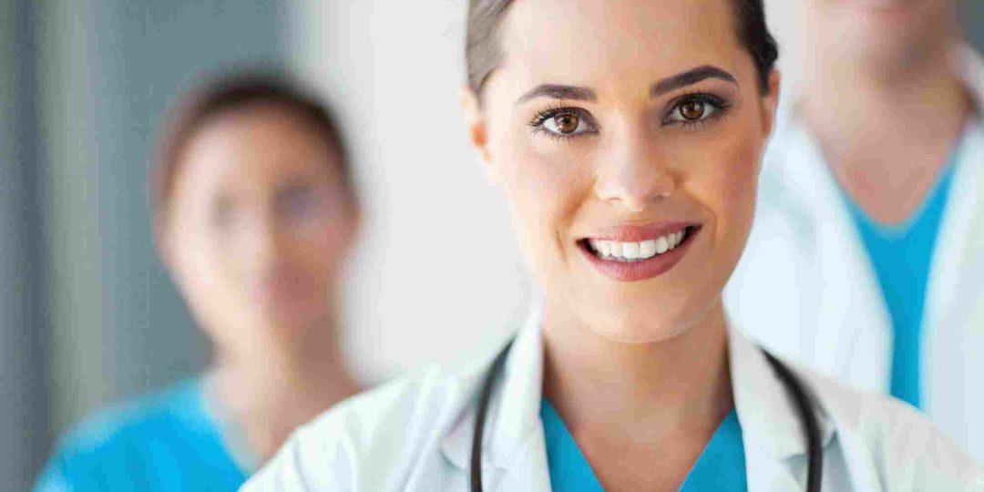 http://clinicadeortodonciayesteticadental.com/wp-content/uploads/2015/10/shutterstock_115144714-1080x540.jpg
